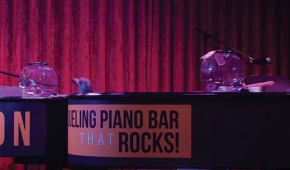 Howl at the moon Dueling Pianos