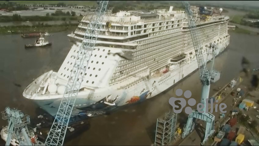 18/09/2015 10:00 Norwegian Escape Webcam