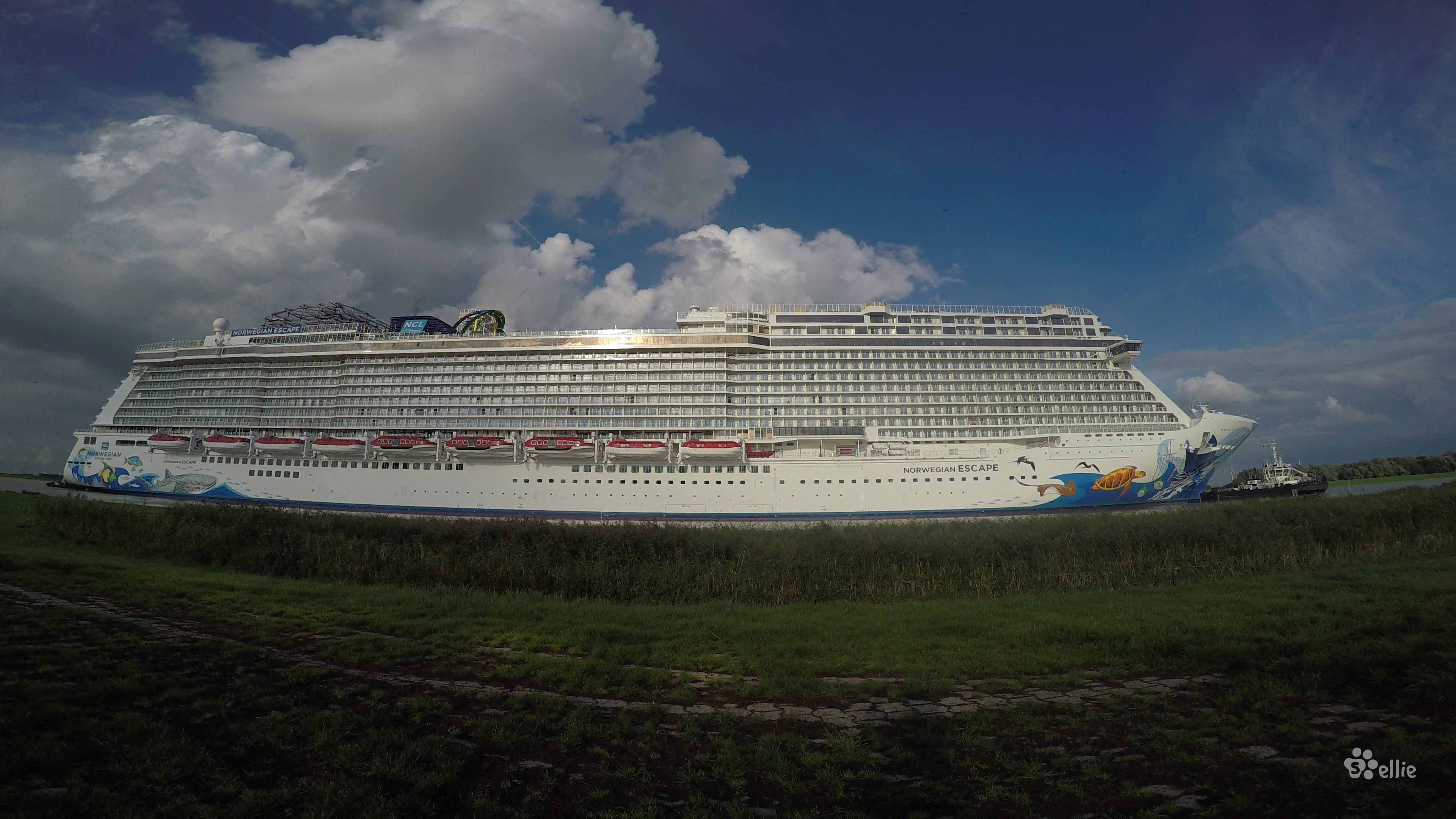 18/09/2015 ‏‎17:17 Norwegian Escape